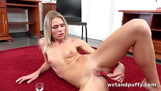 Sassy Czech minx Claudia Macc likes to accordingly a variety of toys to beguile ourselves
