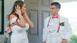 Ariella Ferrera gets her wet pussy fucked by a stranger in the hotel room