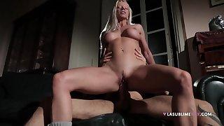 Cock hungry wife Lara De Santis pleasures her horny neighbor