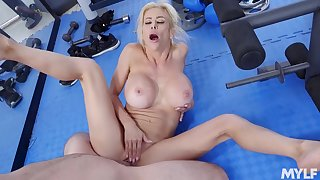 Sexy mature tries missionary to the fullest extent a finally at the gym