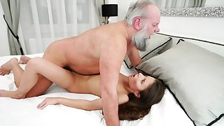 Old make obsolete is setting up love with young mistress
